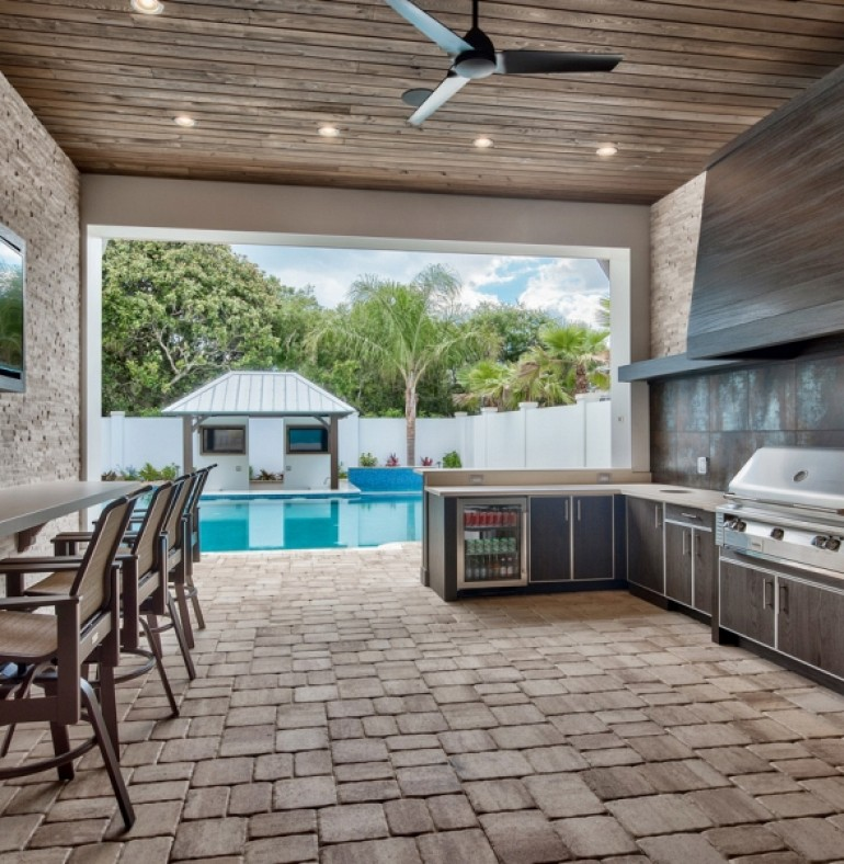 25 Of The Most Gorgeous Outdoor Kitchens: NatureKast Outdoor Kitchens